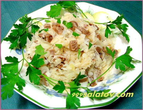 Салат из фасоли и квашеной капусты