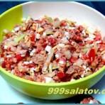 Салат с консервированным тунцом и яйцом