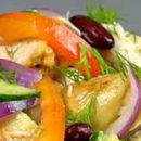 Овощной салат с запеченной курочкой