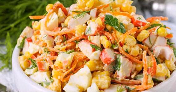 Салат с морковью по-корейски и крабовыми палочками